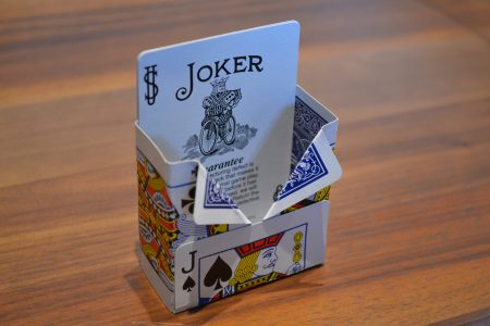 かわいい手作り小物入れをトランプカードで作ってみよう!